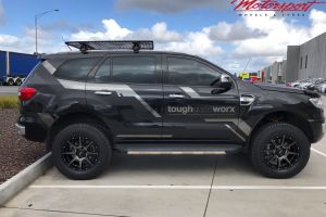 FORD EVEREST WITH 18 INCH ROH TROPHY WHEELS |  | FORD