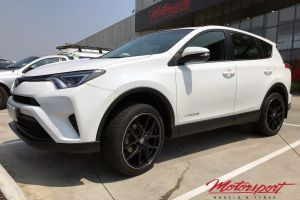 Toyota Rav4 with 20x8.5 HR-762 Wheels |  | Toyota