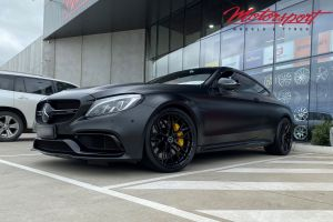 Mercedes Benz C63S with 20 inch Brixton Forged CM-10 Wheels      Mercedes